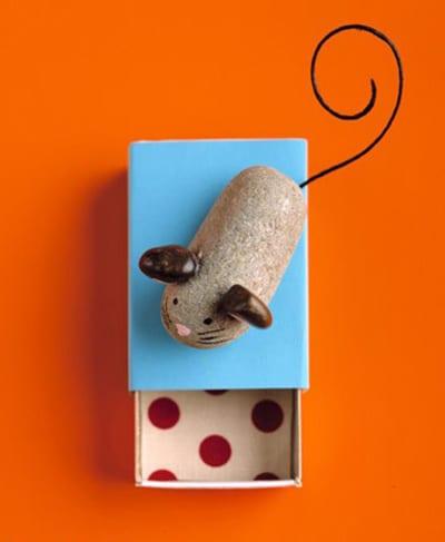 Мышка из камня