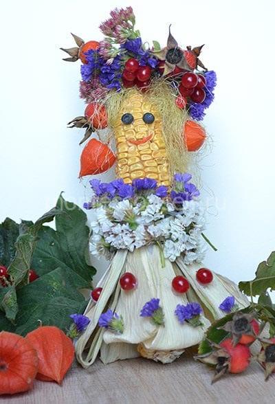 """Поделка из кукурузы """"королева-осень"""""""
