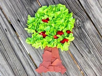 Дерево из мятой бумаги