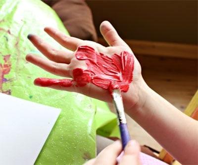 Красим краской ручку