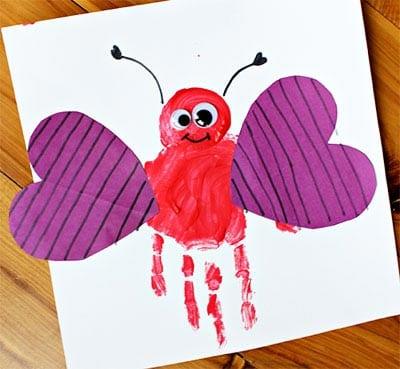 Бабочка из отпечатка ладошки