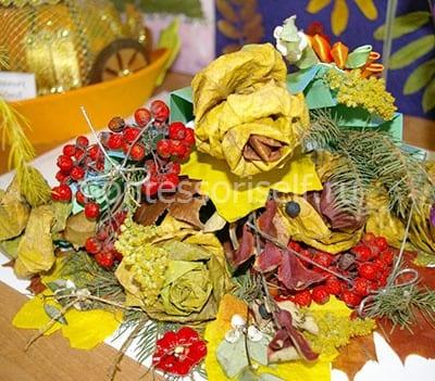 Роза из осенних листьев для конкурса поделок