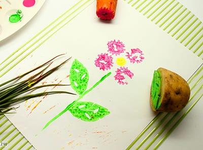 Рисунок штампами из морковки и картошки