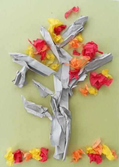 Осеннее дерево из кусочков бумаги