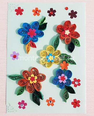 Открытка с цветами на 8 марта в технике квиллинг
