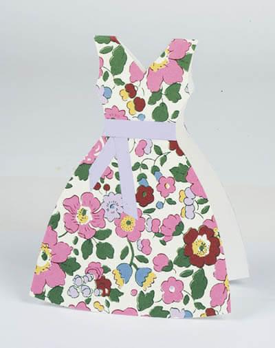 Открытка для мамы в виде платья