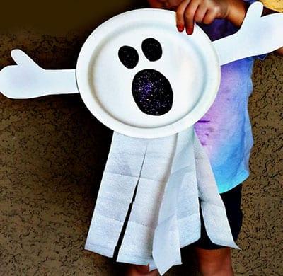 Привидение из одноразовой тарелки