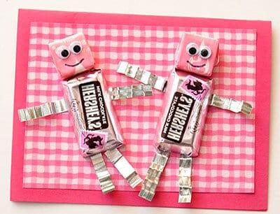 Робот из конфет