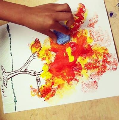 Осенний рисунок губкой