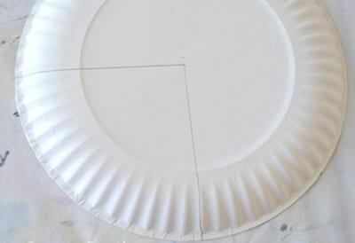 Отрезаем четверть тарелки
