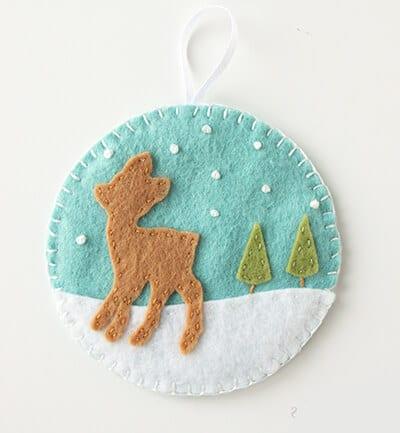 Елочное украшение снежный олень