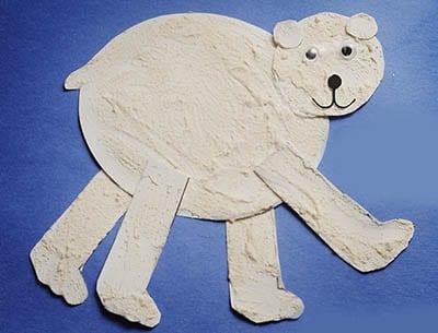 Раскрашенный белый медведь