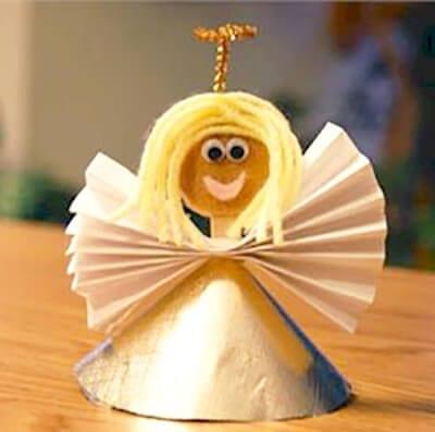 Ангел из картонного конуса