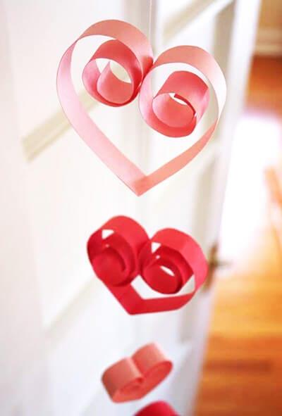 Сердечки из цветной бумаги