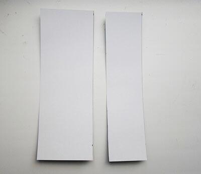 Вырезаем две полосы, одна из них должна быть чуть более широкая