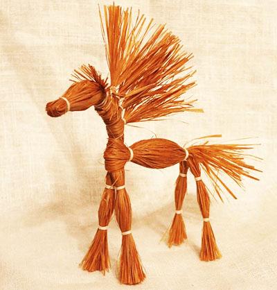 Конь из лыка