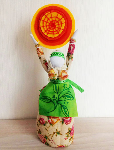 Кукла-масленица с солнышком