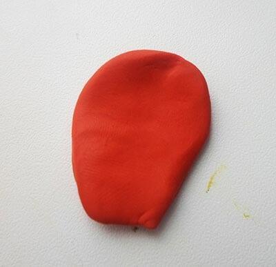 Листик из пластилина