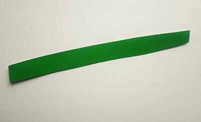 Полоска зеленого картона