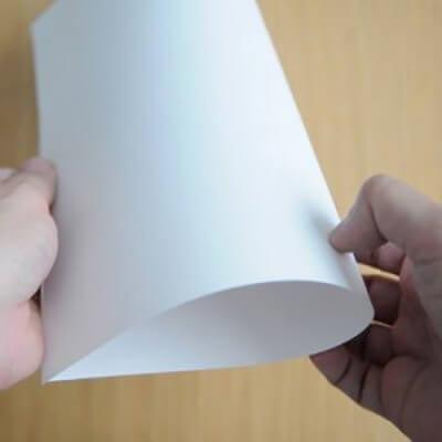 Сгибаем лист вдвое - основа открытки