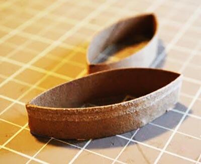 Нарезаем картонный рулон