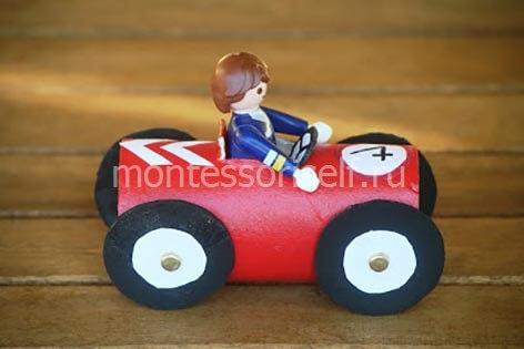 Автомобиль из картонного рулона