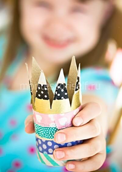 Crown of cardboard roll