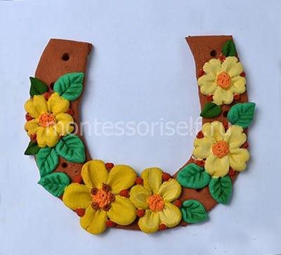 Окрашиваем цветы и листья