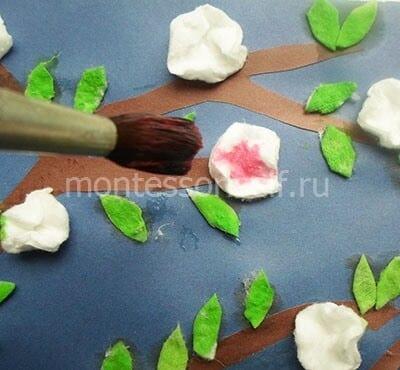 Окрашиваем цветы