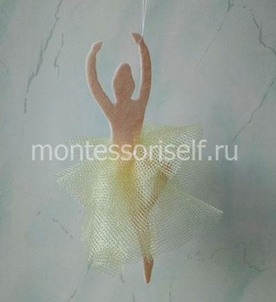 Снежинка-балеринка из фетра