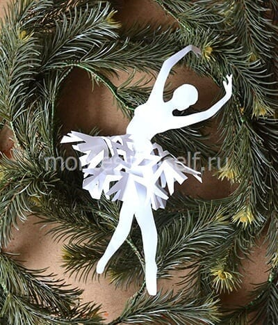 Снежинка-балеринка из бумаги