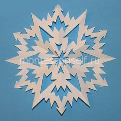 Снежинка по трафарету 12