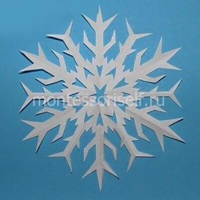 Снежинка по трафарету 4