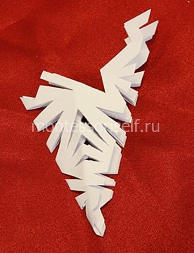 snezh1-2-1 Объемная снежинка из бумаги своими руками: схемы, шаблоны, мастер классы, как делать такой декор