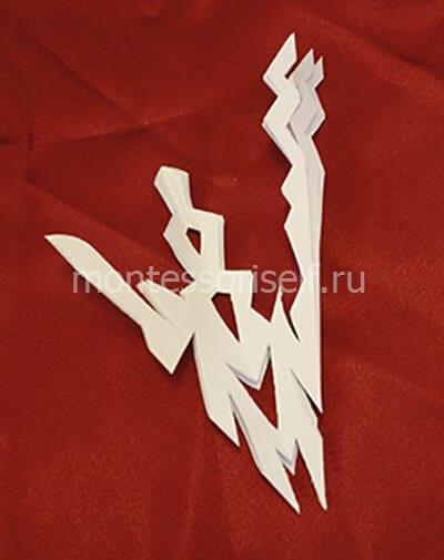 snezhin1-2 Объемная снежинка из бумаги своими руками: схемы, шаблоны, мастер классы, как делать такой декор