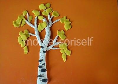 Листья из желтого пластилина