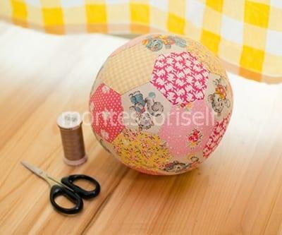 Набиваем шар и зашиваем его