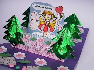 Новогодняя открытка с елочками оригами