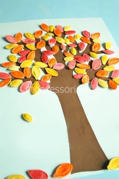 Осеннее дерево из тыквенных семечек