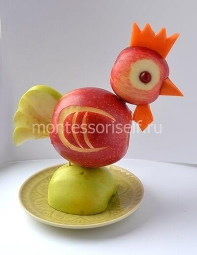 Петушок из яблок на Новый Год