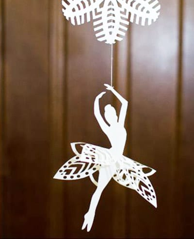 Нежная балеринка из бумаги