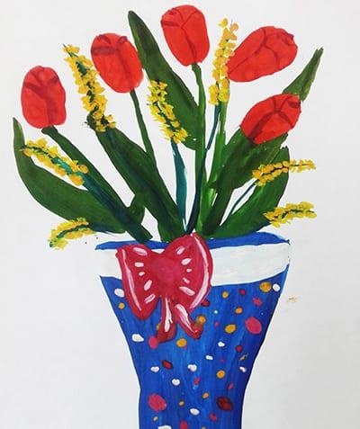 Букет тюльпанов и мимозы в вазе