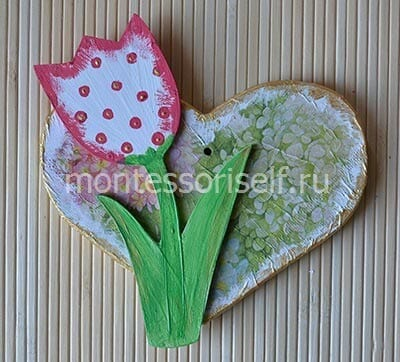 Крепим цветок к сердечку