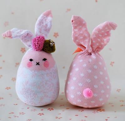 Кролик из носочка с помпоном