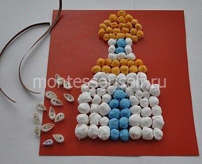 Капельки из скрученных белых полосок