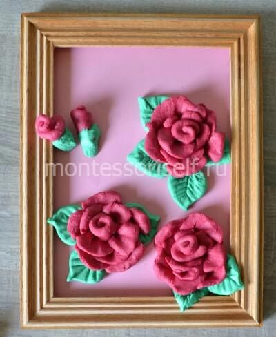 Три розы и два бутона