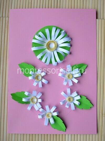 Делаем маленькие цветочки с листиком