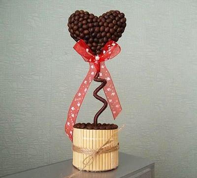 Топиарий с сердечком из кофе