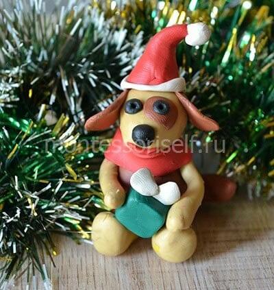 Собака из пластилина на Новый Год