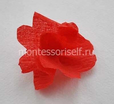 Объемный цветок из гофрированной бумаги